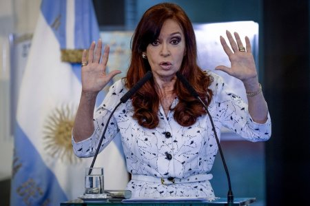 Argentinian President Is Held Up By Gangster Justice