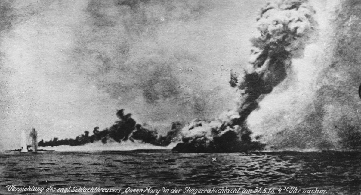 HMS Queen Mary Exploding @ Jutland Battle. Traumatizing Churchill?