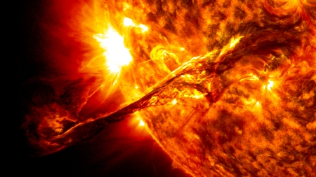 We Are Far From Understanding Sun's Thermonuclear Physics. Coronal Mass Ejection, Aug. 31, 2012. Such a CME Would Wreck Civilization, If Pointed At Earth