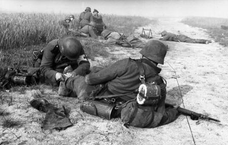 Nazi Medics In Action, France, 1940. More Than 50,000 Nazi & Fascist Troops Died In The 6 Weeks Of The Battle Of France, May-June 1940