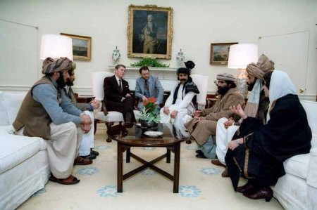Reagan Meets With Muslim Terrorists at the White House. That Conspiracy Led To 9/11